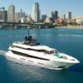Inside an $18M superyacht at the Miami Yacht Show (Photos)9
