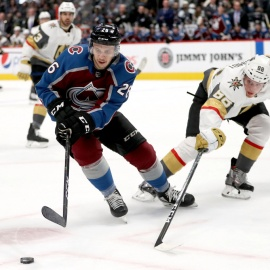 Journeyman minor-leaguer Andrew Agozzino has a big night for the Avalanche in his first NHL game since 2015-16247