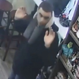 Creep says 'sorry' after groping woman in Chelsea deli: cops45