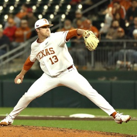 Texas takes advantage of opportunities in home opener138