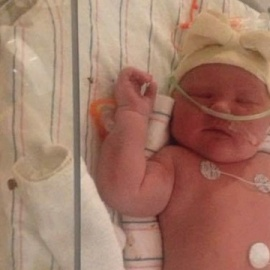 Woman gives birth to 'miracle' 15 lb. baby110