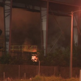 Massive fire burns at Miami-Dade metal recycling plant88