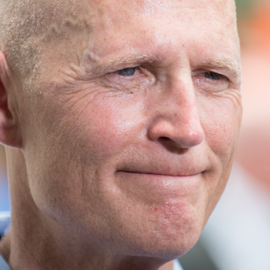 Rick Scott has investment ties to the company responsible for screwing up SunPass5