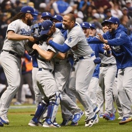 Dodgers finally take care of business to beat Brewers in Game 7, get back to World Series74