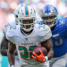 Johnson's 158 yards rushing help Lions beat Dolphins 32-2189